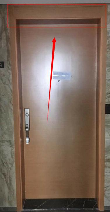 廚房門臥室門一個高一個矮