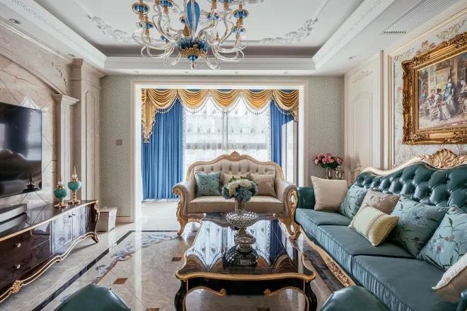 而欧式风格主要以电视背景墙造型,吊顶造型,地砖的波导线造型等硬装